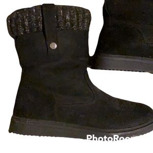 Faux suede booties. Grey black cuff.